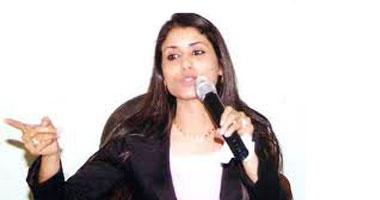 النيابة العسكرية تستدعى الناشطة مها أبو بكر للتحقيق
