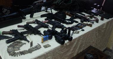 الجيش يحبط محاولة تهريب أسلحة وذخائر عبر الحدود المصرية