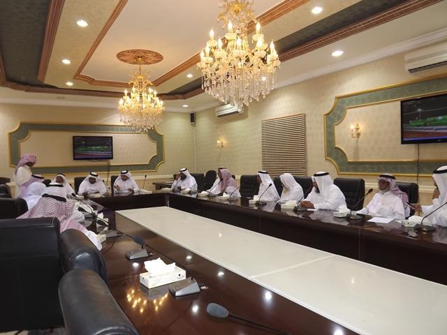 المشرف العام بلديات المحافظات بأمانة يزور بلدية 921818543.jpg