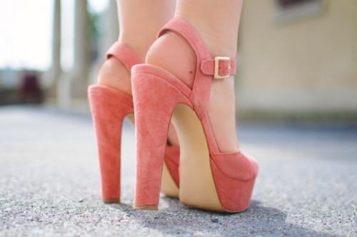 أجمل الأحذية ^_^ 106642468.jpg
