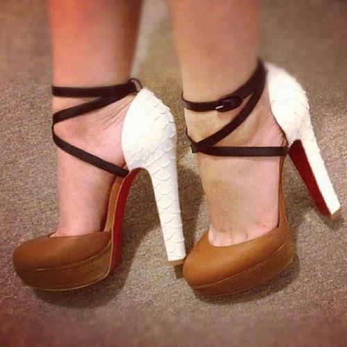 أجمل الأحذية ^_^ 558149297.jpg
