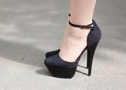أجمل الأحذية ^_^ 863050313.jpg