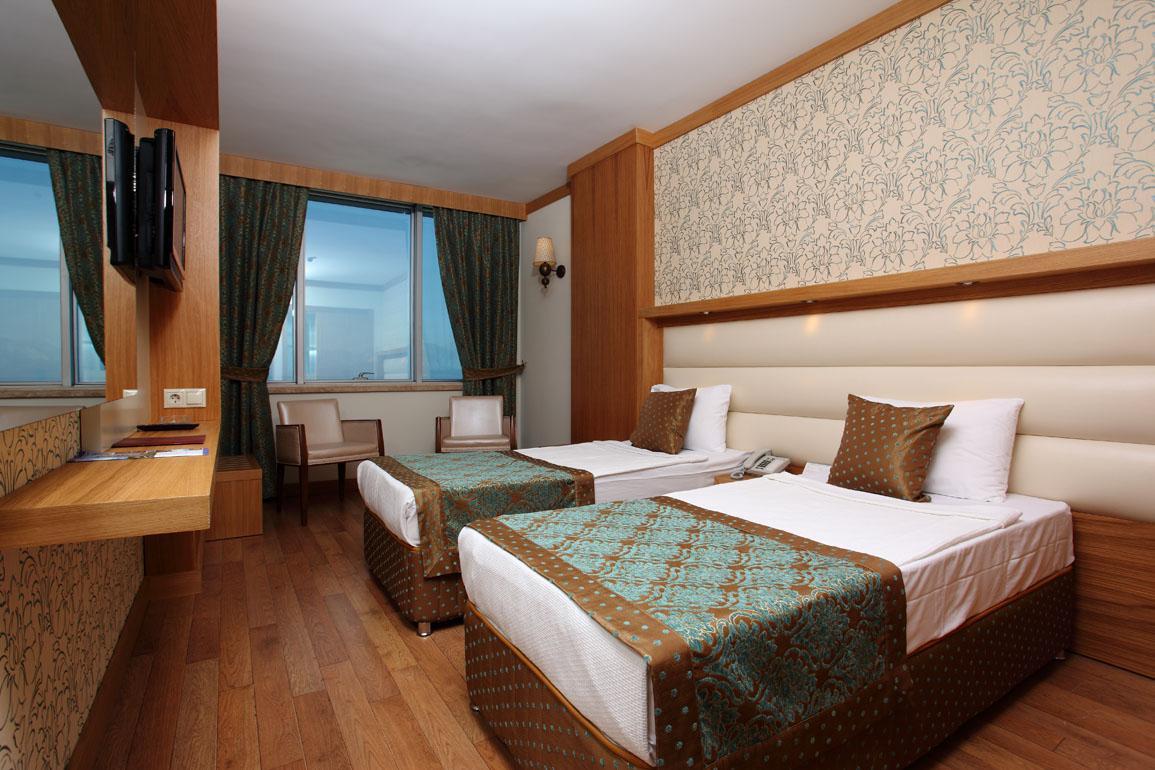 Antalya Hotel 325152759