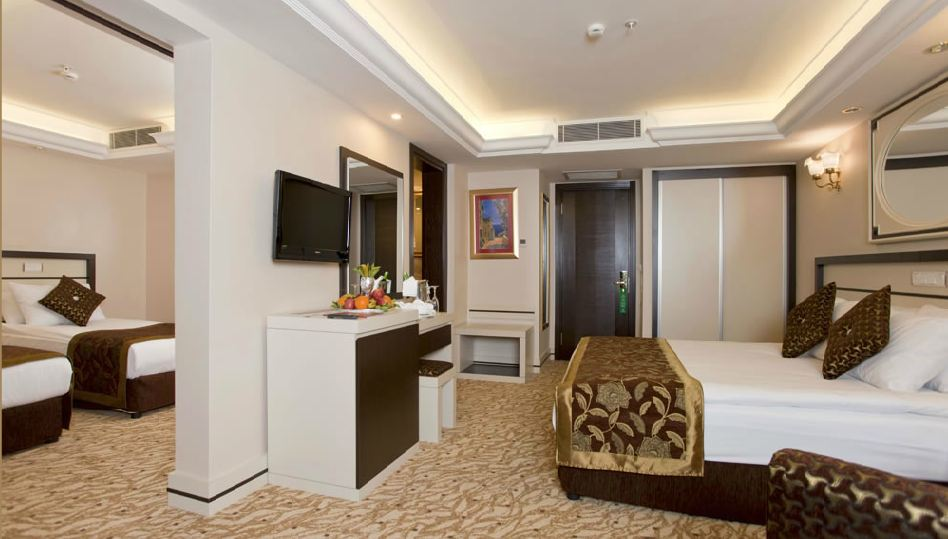Club Hotel Sera 422983611