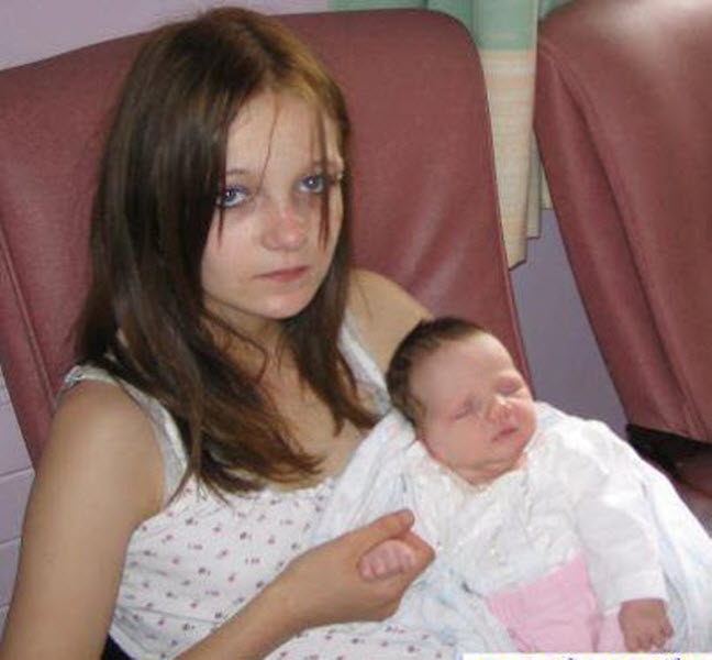 23-летняя румынка Рифка Станеску стала самой молодой бабушкой в мире