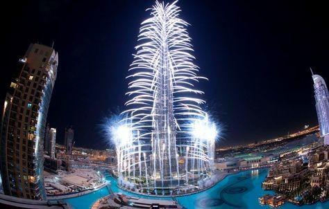 128477444 شاهد صور احتفالات راس السنة الميلادية 2014 فى دبى و برج خليفة