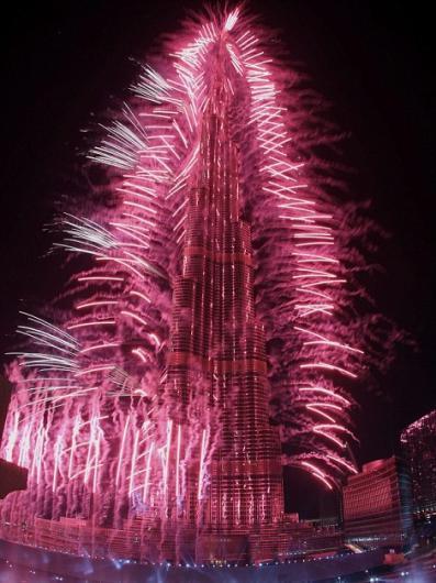 218133301 شاهد صور احتفالات راس السنة الميلادية 2014 فى دبى و برج خليفة