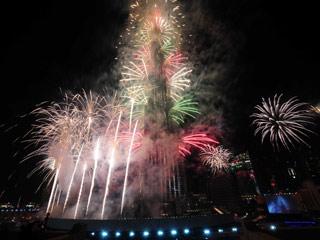 346825715 شاهد صور احتفالات راس السنة الميلادية 2014 فى دبى و برج خليفة