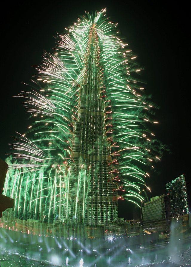 497270673 شاهد صور احتفالات راس السنة الميلادية 2014 فى دبى و برج خليفة