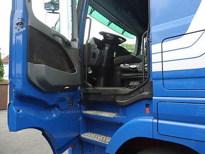 لدينا شاحنه مرسيدس اكتروس1844 موديل