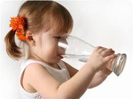 كيف تعرف أنك لا تشرب الكمية الكافية من الماء؟