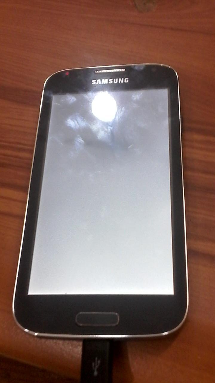 مشكل شاشة بيضاء gt-i9500_s00