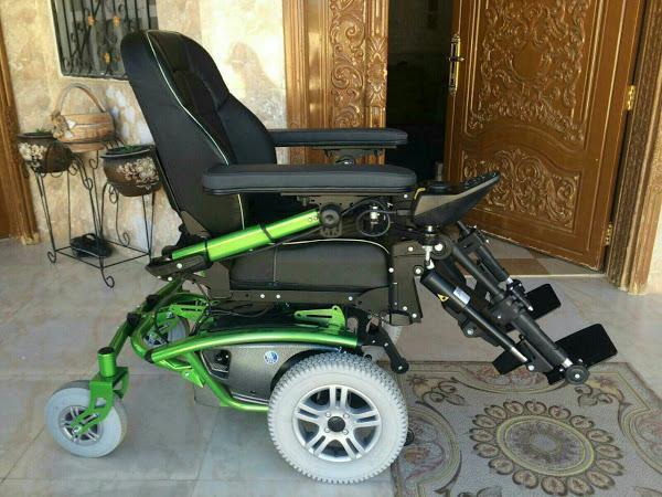 للبيع كرسي كهربائي رائع صناعه