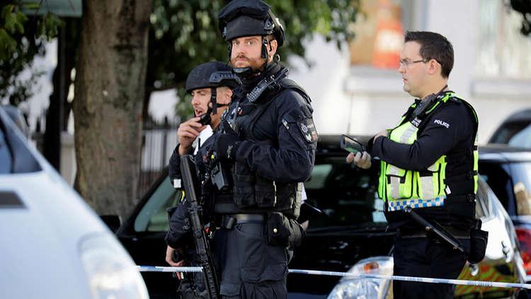 انفجار قطار مترو الأنفاق جنوب غربي لندن بسبب عبوة ناسفة محلية الصنع