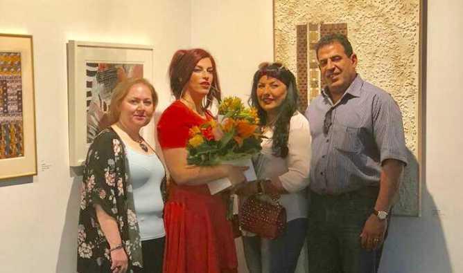 فراشة عراقية تصنع الجمال وتوزع الفرح بألوانها