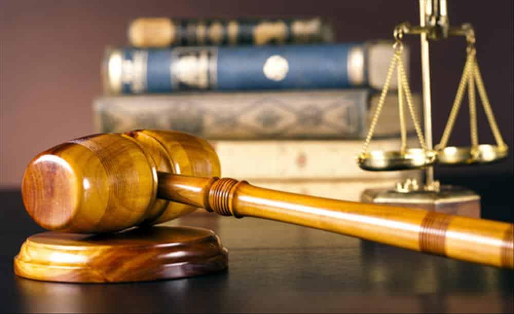 ما هي أقسام وفروع القانون؟